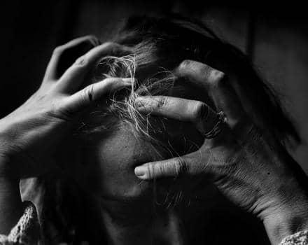 Przemoc emocjonalna boli tak samo, jak fizyczna
