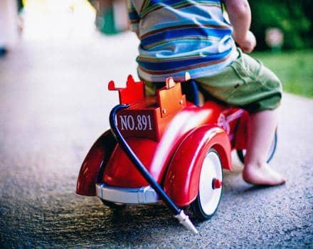 Co robić, kiedy dziecko nie lubi jeździć samochodem?