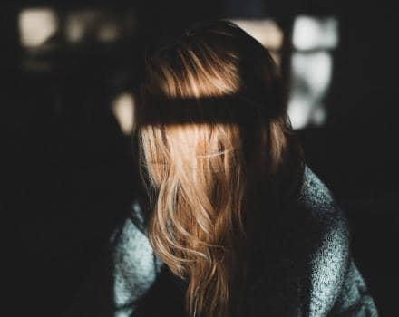 smutna-kobieta
